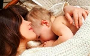 Cara Bayi Menyusui dengan Benar